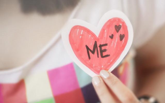 Yêu bản thân, đừng ức hiếp chính mình : Đời người thật ngắn, có lúc tưởng chừng như chớp mắt thoáng qua. Nhân lúc ánh sáng hãy còn chưa...