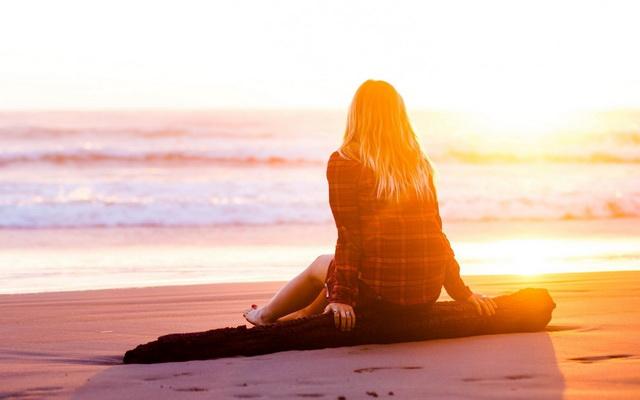 Đôi khi cũng cần một chút cô đơn : Muốn một khoảng lặng, muốn một chút cô đơn. Cảm nhận vị ngọt của cái xúc cảm vụn nát được chính...