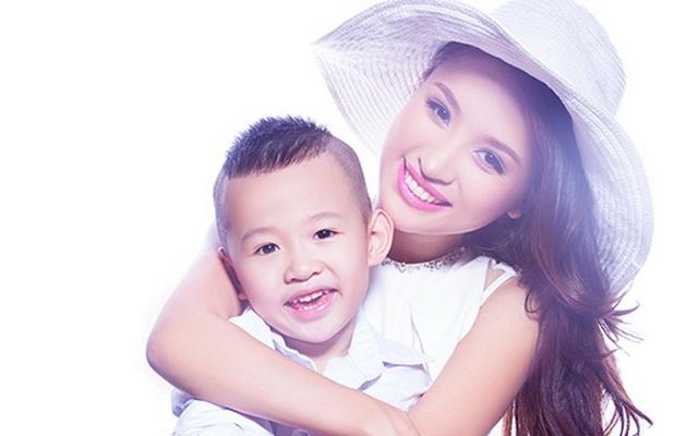Single Mom của Vbiz : Những bà mẹ đơn thân Vbiz này vừa phải tự lực chăm sóc gia đình, vừa phát triển sự nghiệp của bản...